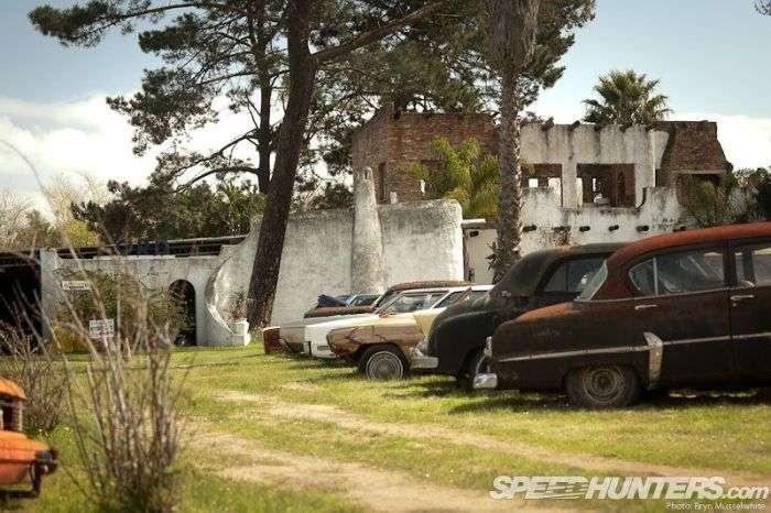 Незвичайний музей ретро-автомобілів під відкритим небом (46 фото)