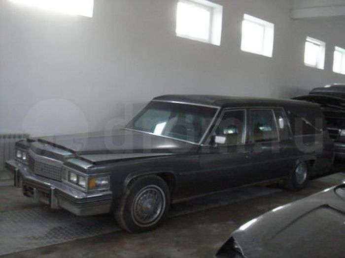 Як з гумором продати катафалк Cadillac Fleetwood (10 фото)