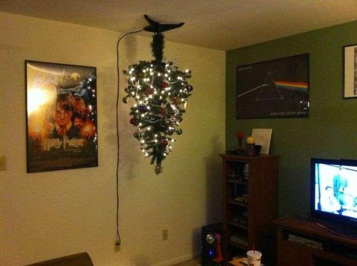 Креативний спосіб захистити ялинку від витівок кота (9 фото)