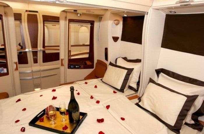 Шикарні апартаменти всередині літака А380 (8 фото)