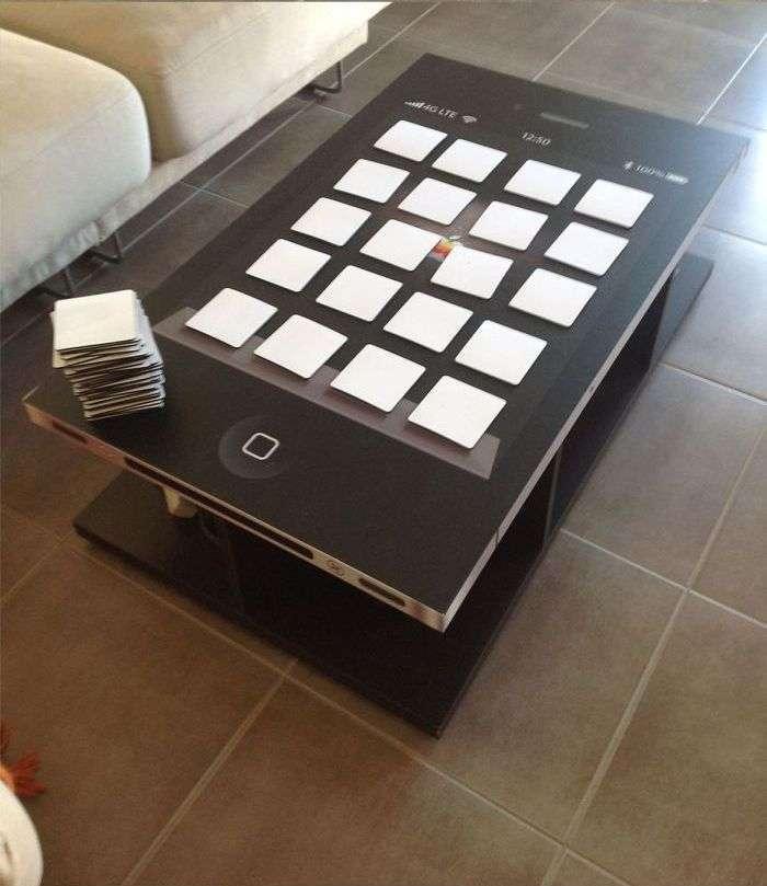 Стіл для справжніх фанатів iPhone (6 фото)