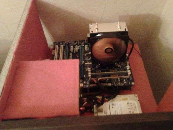 Вбудовуємо компютер в робочий стіл своїми руками (19 фото)