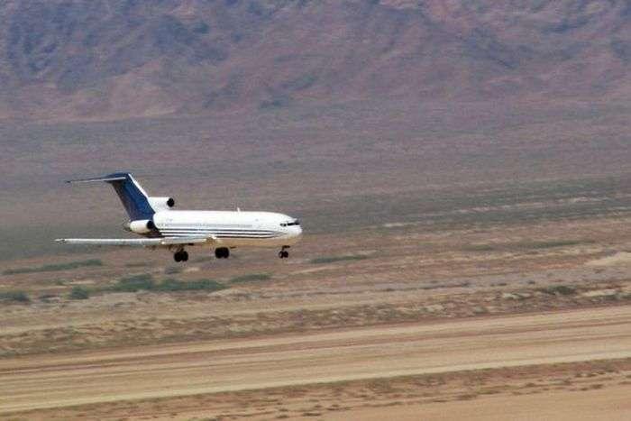Перша в світі система аварійної посадки літака без пілота (10 фото)