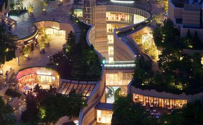Японський 8-рівневий футуристичний парк (14 фото)