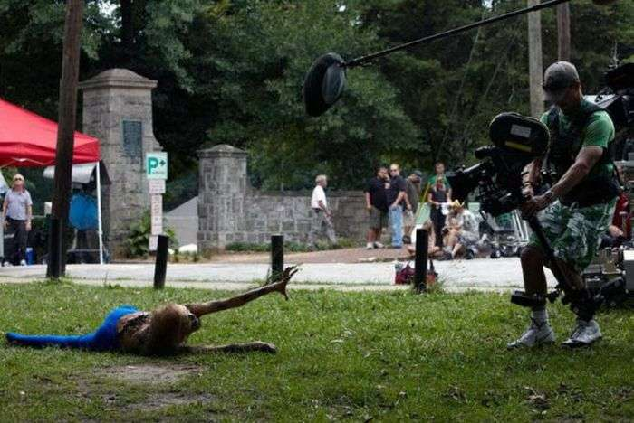 Кадри зі знімального майданчика серіалу Ходячі мерці (50 фото)