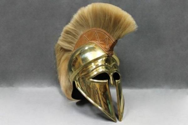 Зачем спартанцу на шлеме нужен был яркий петушиный гребень Интересное