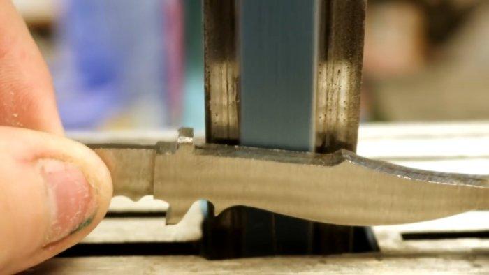 Как превратить болт в красивый маленький сувенирный охотничий нож Самоделки