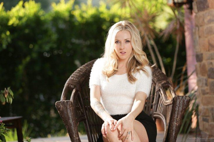 Карла Куш — Девушка Дня Развлечения,бикини,девушки,красотки
