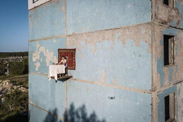 Простой парень из Самары решил пообедать на стене дома flash,Всячина