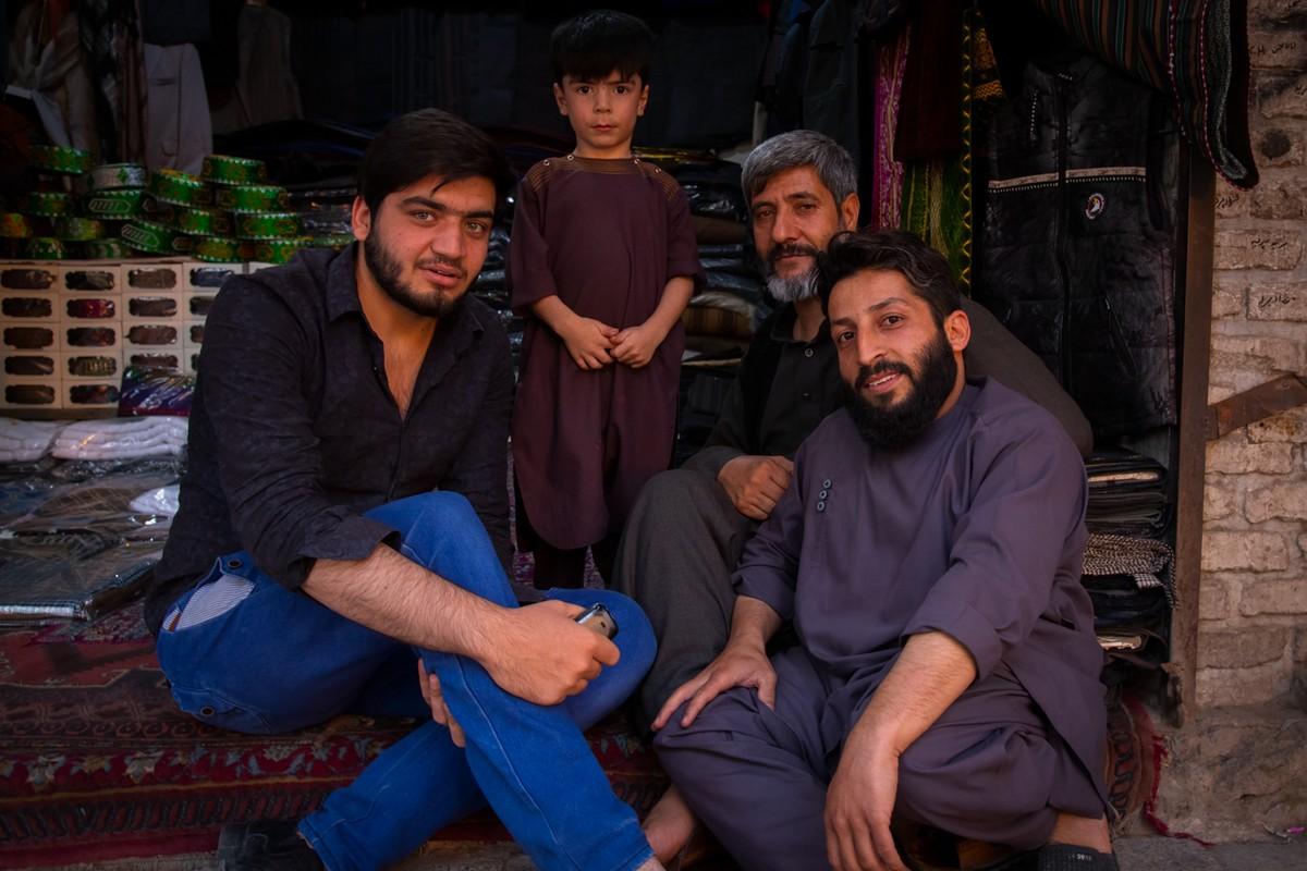 Повседневная жизнь в раздираемом войной Афганистане на снимках Тийса Бруккампа МиР