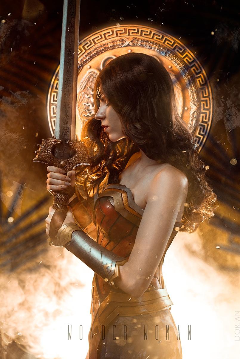 Косплей Чудо-Женщины из вселенной DC Comics Игры,косплей
