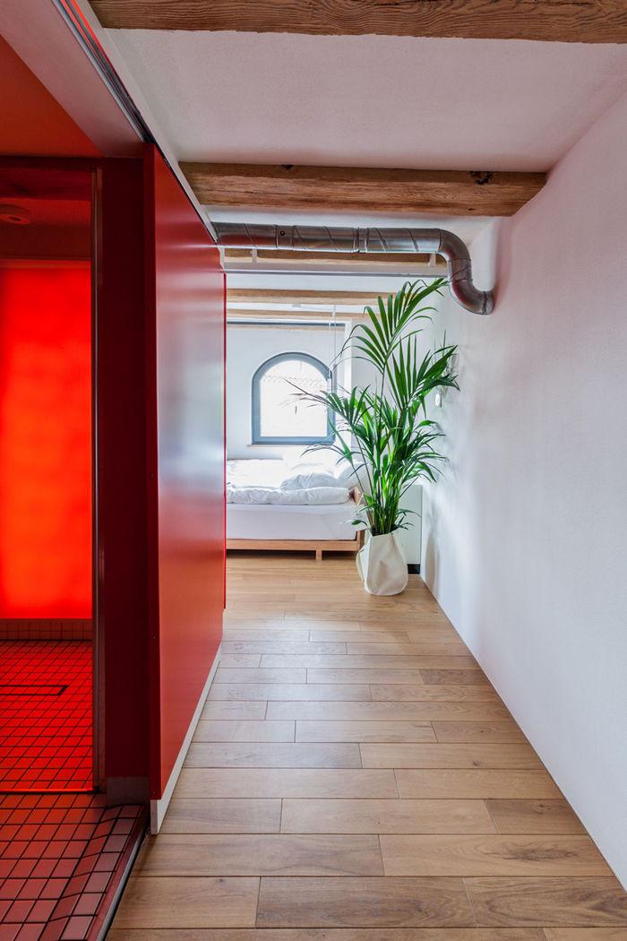 Цветные кубы: очень эффектные квартиры в Польше зонирование,интерьер и дизайн,квартира,куб,Польша