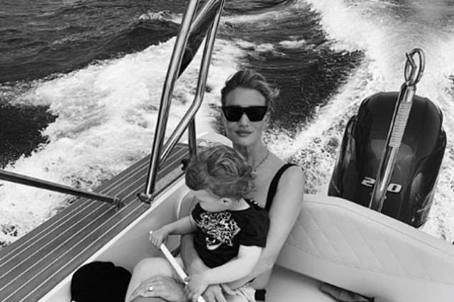 Рози Хантингтон-Уайтли и Джейсон Стэтхем отметили день рождения сына Джека Звездные дети
