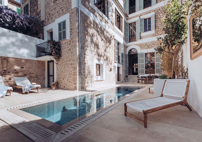 Прекрасный таунхаус на Майорке, который не утратил своего исторического обаяния бассейн,интерьер и дизайн,Испания,каменный дом,Майорка,средиземноморский стиль,таунхаус