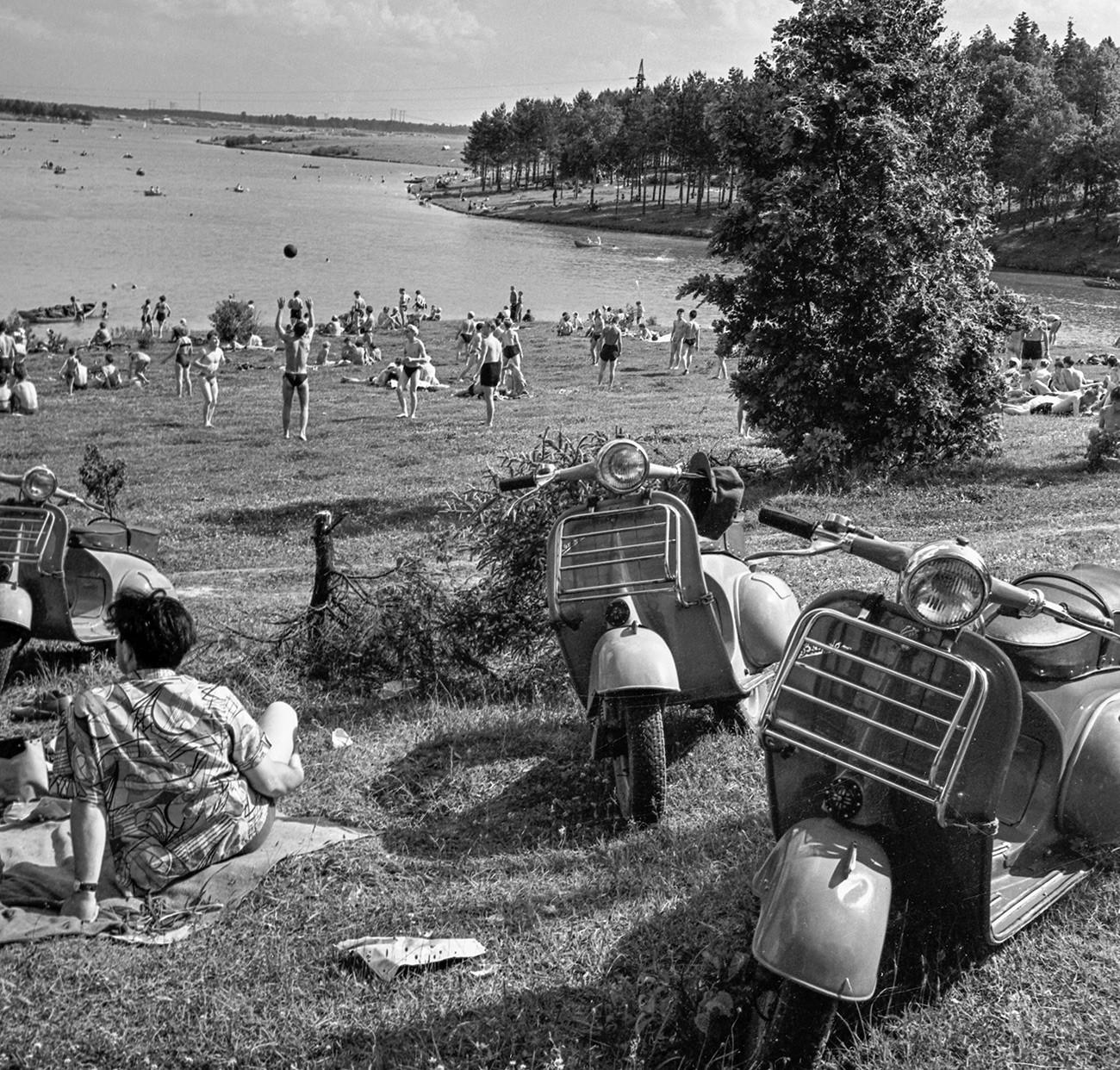 Пляжный отдых в Советском Союзе