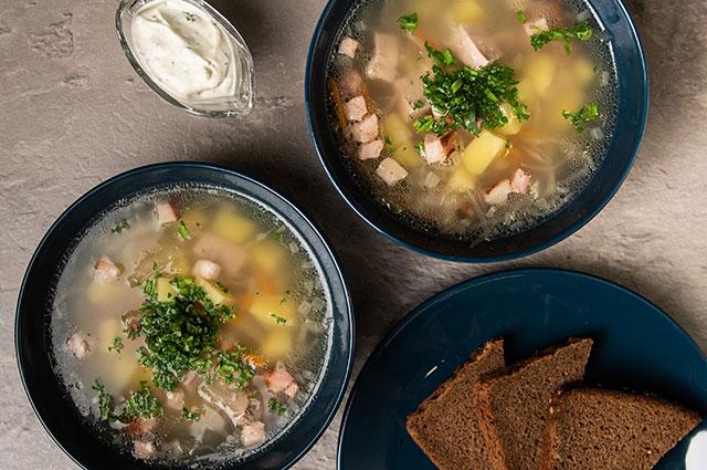 Готовим щи и пироги. 4 простых блюда для дачного обеда вкусные новости,выпечка,кулинария,мясные блюда,рецепты,рыбные блюда,супы